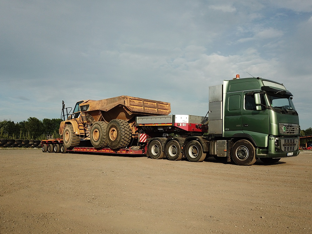 Volvo FH16 660, 8x4 + Goldhofer STZ-VP6